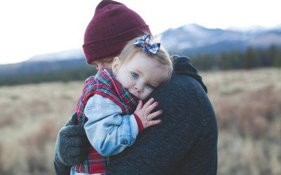 Die Kraft des Kuschelns – Ein Loblied auf die (Baby)Massage