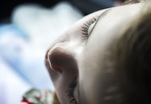 Mittagsschlaf in der Kita – nicht von allen geliebt, die Ruhephasen sind aber wichtig fürs Gehirn